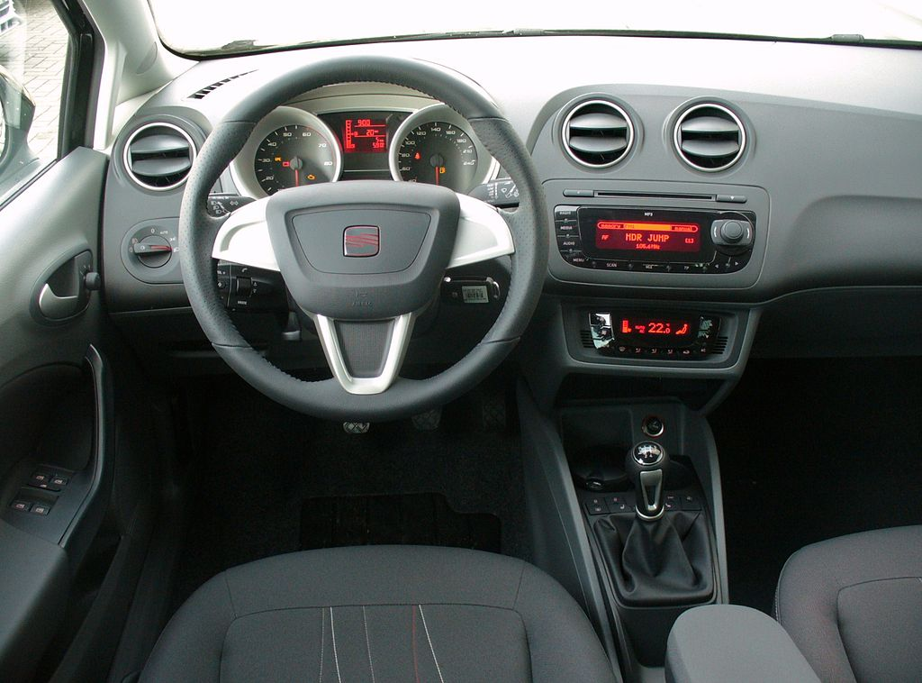 file seat ibiza 6j st copa magicoschwarz interieur jpg wikimedia commons. Black Bedroom Furniture Sets. Home Design Ideas