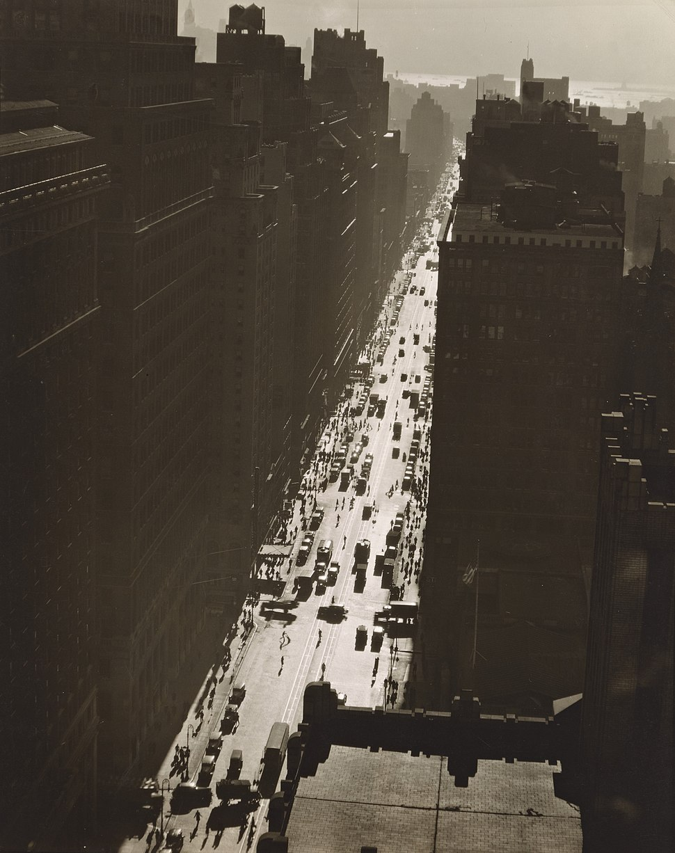 Seventh Avenue looking south from 35th Street, Manhattan (NYPL b13668355-482802)