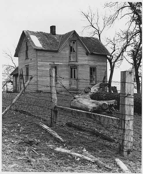 File:Shelby County, Iowa. Abandonment is not common in this region. Apparently the house shown here was n . . . - NARA - 522334.jpg