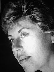 Shulamit Aloni portrait.jpg