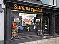 Siop Summit Cycles, Aberystwyth - Geraint Thomas, enill Tour de France 2018.jpg