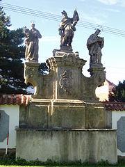 Sousoší sv. Antonína, sv. Floriána a sv. Jana Nepomuckého