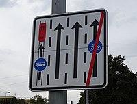 Střešovice, Milady Horákové, vyhrazené jízdní pruhy.jpg