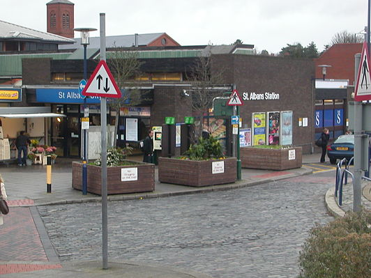 St Albans City railway station