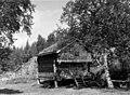Stabbur på Gustaf Mattssons boplass i sommerhalvåret, Ottsjölägret 1964 - Norsk folkemuseum - NF.09012-007.jpg