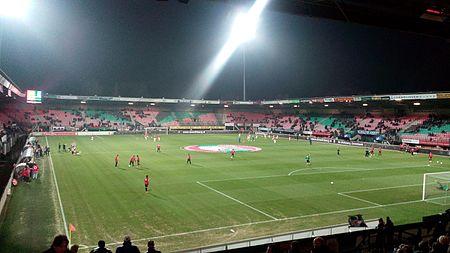 Stadion de Goffert by night.jpg