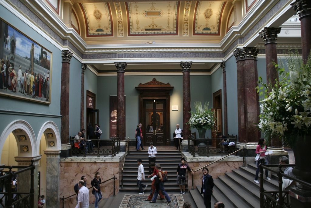 File staircase hall of the national gallery for The interior design school london