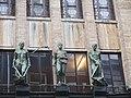 Statues Leidsestraat.jpg