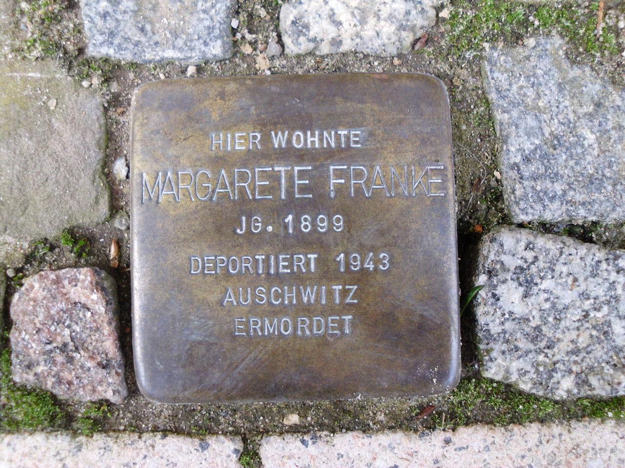 Stolperstein Parchimer Straße.JPG