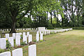 Strand Military Cemetery. Graven met Stone of Remembrance.JPG