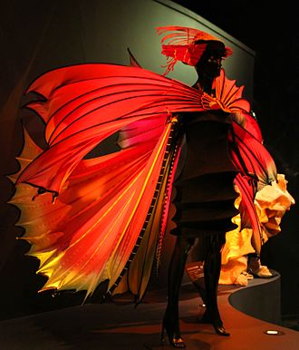 World of Wearable Art - Image: Susan Holmes 3 (30932412153)