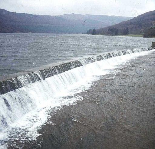 Talybont Reservoir overflow - geograph.org.uk - 480391