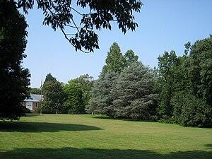 Image of Louise Arnold Tanger Arboretum: http://dbpedia.org/resource/Louise_Arnold_Tanger_Arboretum