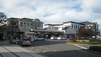 Tatebayashi Station - New station building, December 2009