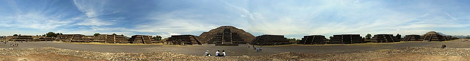 360° View of the Avenue of the Dead, the Pyramid of the Sun and the Pyramid of the Moon