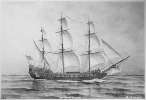 Een Oost-Indische vrachtzeilboot op zee;  het heeft drie masten en een boegspriet, met al zijn zeilen gehesen