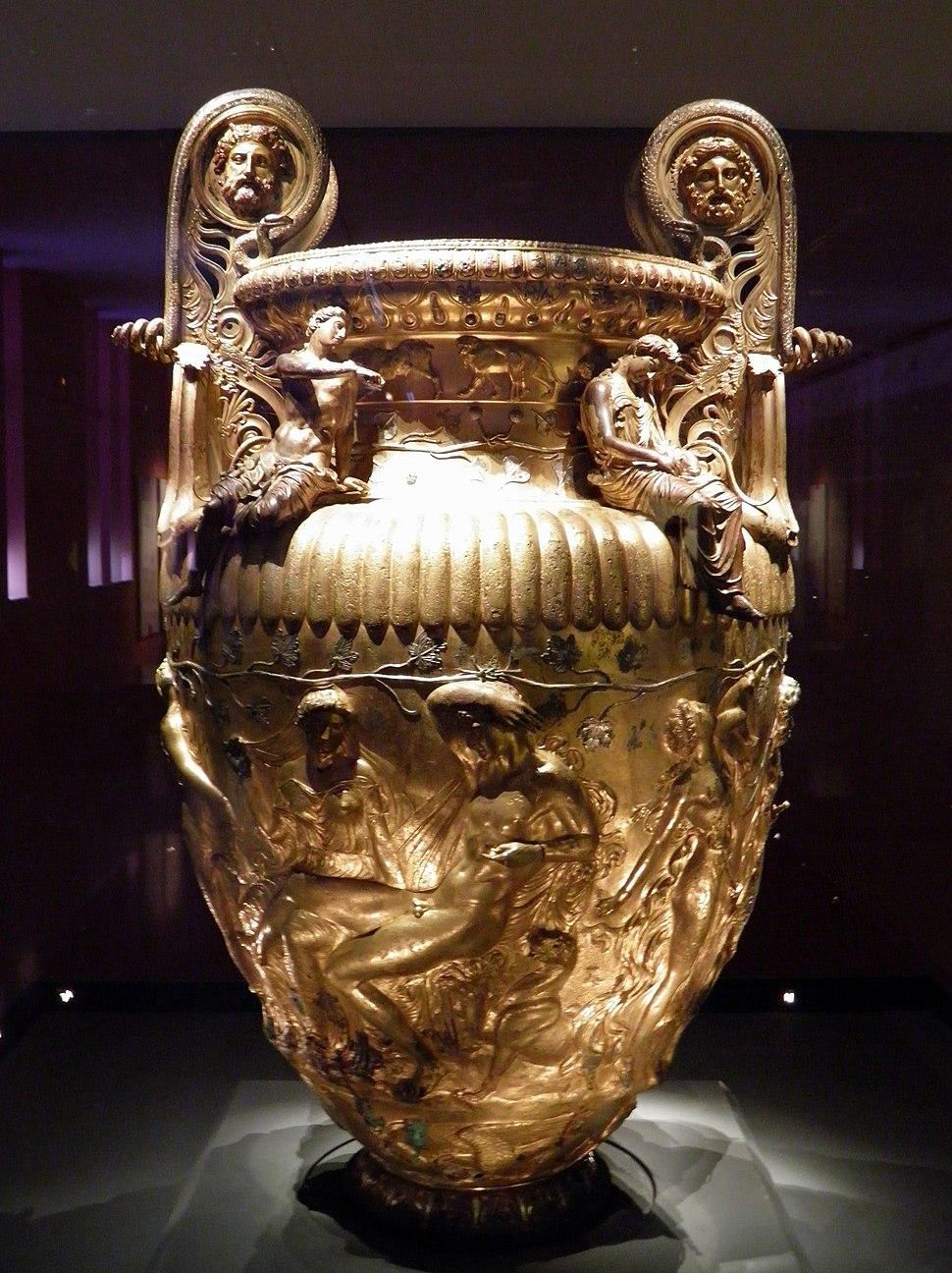 The Derveni krater, late 4th century B.C., side A, Dionysus and Ariadne, Archaeological Museum, Thessaloniki, Greece (7457851940)
