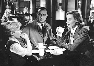 The Fallen Idol (film) - Bobby Henrey, Ralph Richardson and Michèle Morgan in The Fallen Idol