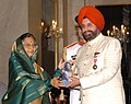 The President, Smt. Pratibha Devisingh Patil presenting the Padma Bhushan Award to Shri Sant Singh Chatwal, at the Civil Investiture Ceremony-II, at Rashtrapati Bhavan, in New Delhi on April 07, 2010.jpg
