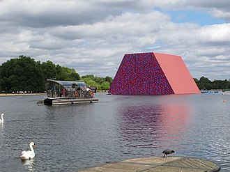 "Christo's Mastaba in Hyde Park, London The Serpentine with ""The Mastaba"" massive temporary sculpture (geograph 5815020).jpg"