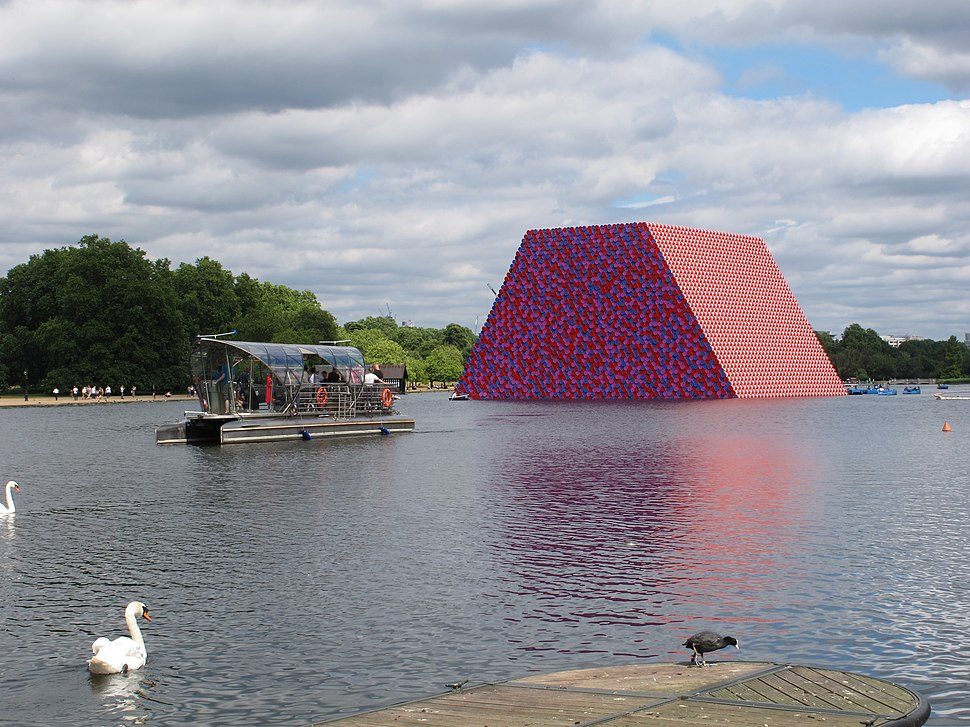 """The Serpentine with """"The Mastaba"""" massive temporary sculpture (geograph 5815020)"""