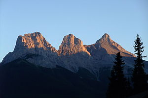 English: The Three Sisters, Alberta, Canada