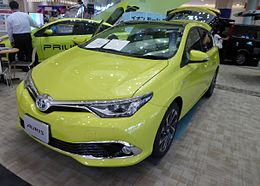 "Toyota AURIS HYBRID""G Package"" (DAA-ZWE186H-BHXNB-V) front.JPG"