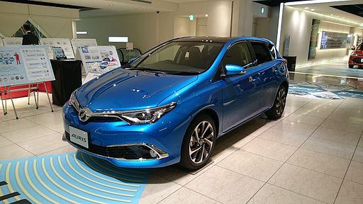 Toyota Auris 2016 1