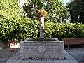 Trento-fountain in San Lazzaro.jpg