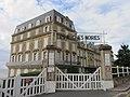 Trouville-sur-Mer, hotel des roches noires - panneau.JPG