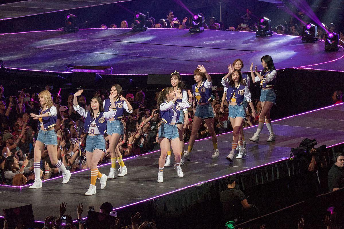 Twice live at KCON 2016 Los Angeles 20160731-P1010668 (28689194454).jpg