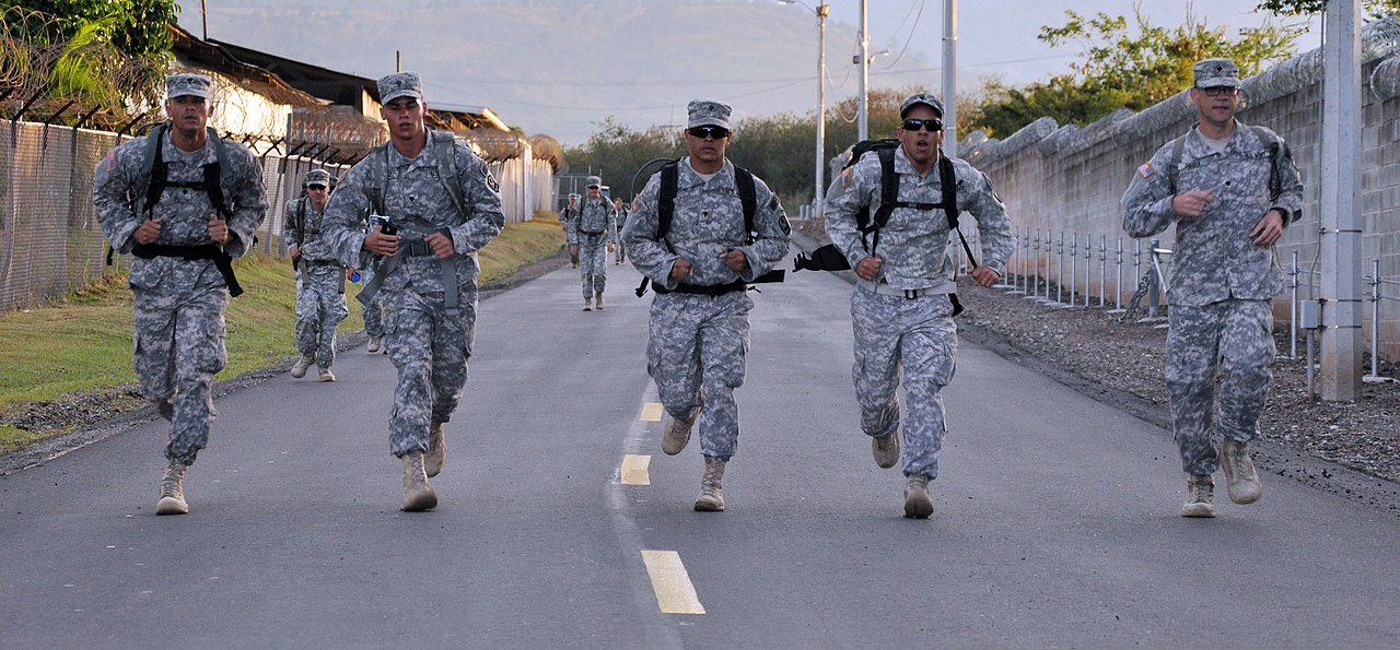 Coronel Enriqu: File:U.S. Service Members With Joint Task Force-Bravo