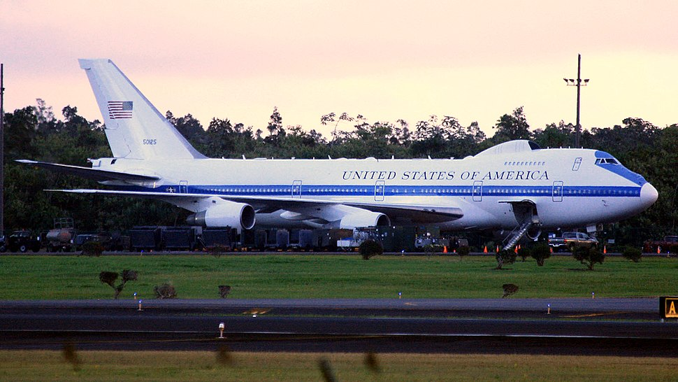 USAF E-4B 75-0125 at Hilo International Airport, December 2013