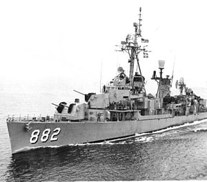 USS Furse (DDR-882) underway at sea, circa in the late 1950s.jpg