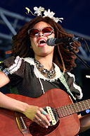 Valerie June Bluesfest 2014.jpg