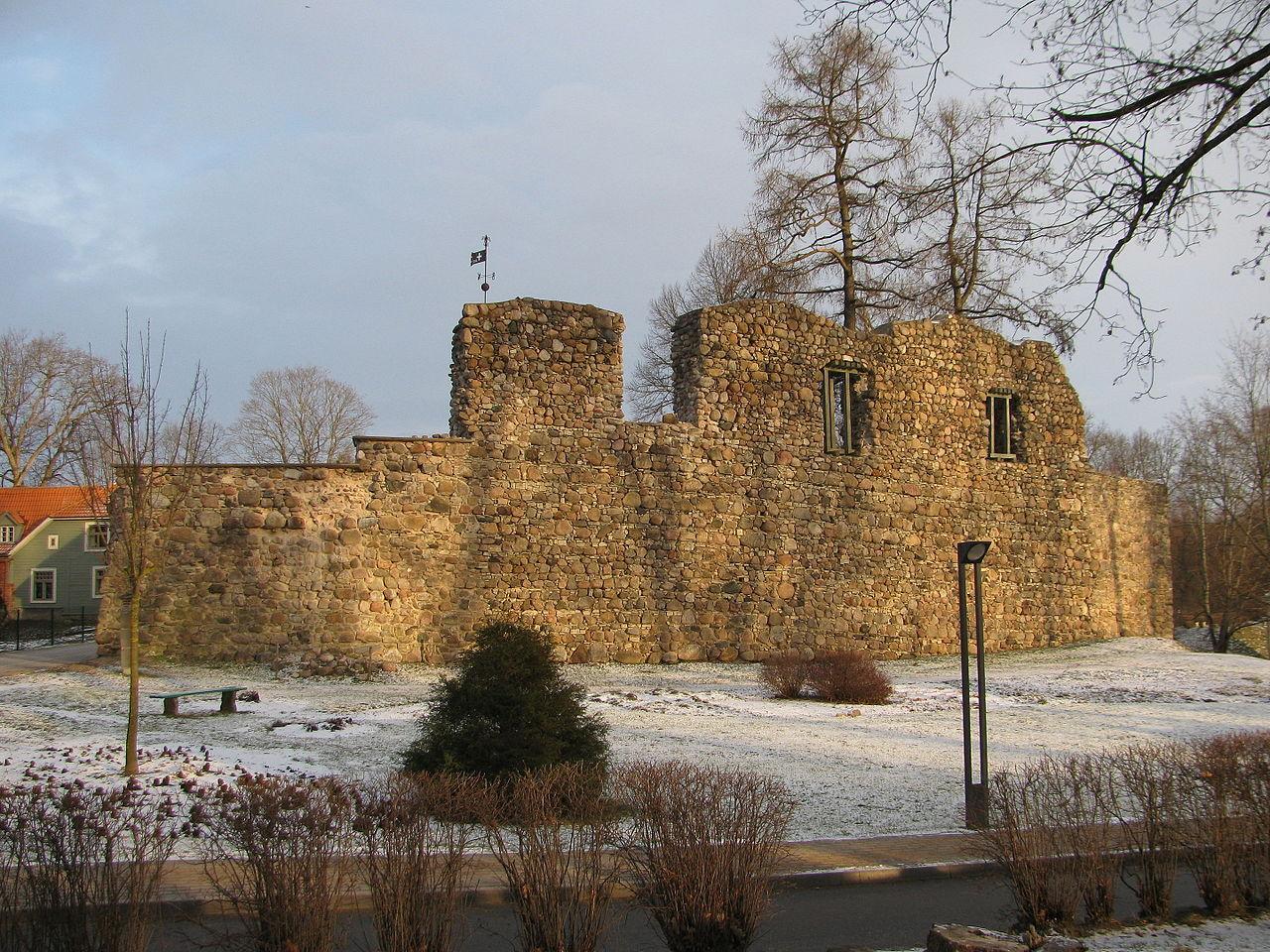 Valmieras pilsdrupas 2014-12-27 (1).jpg