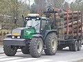 Valtra lumber tractor Jyväskylä.JPG
