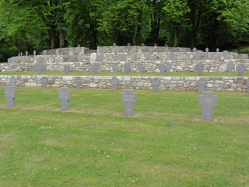 Veslud (Aisne) Cimetière militaire allemand
