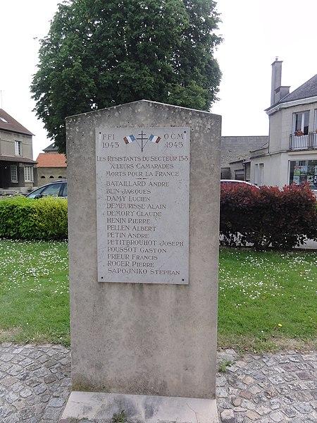Vic-sur-Aisne monument des résistants