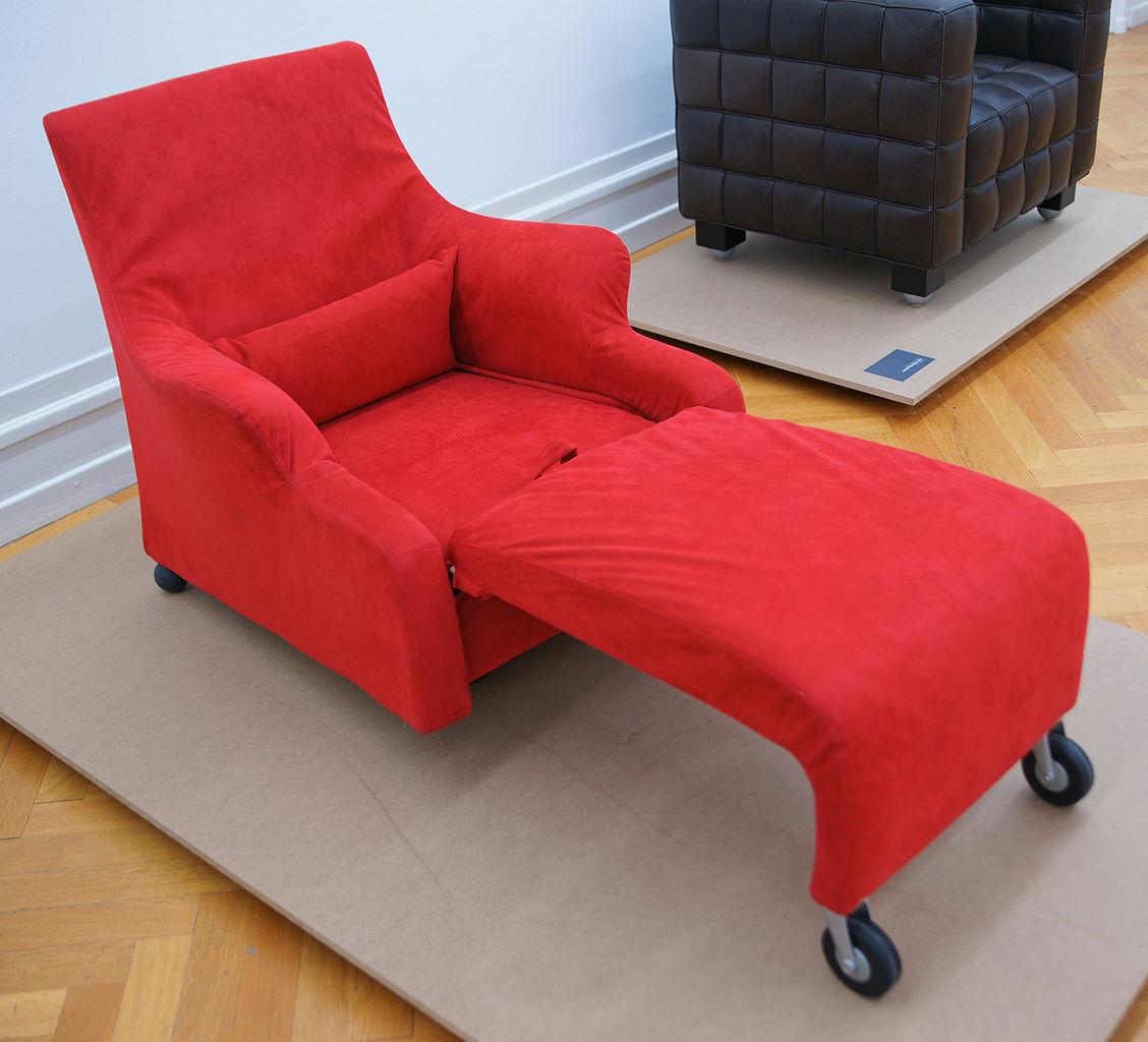 file vico magistretti chaise longue wikimedia commons. Black Bedroom Furniture Sets. Home Design Ideas