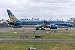 Vietnam Airlines (VN-A868) Boeing 787-9 Dreamliner departing Sydney Airport.jpg