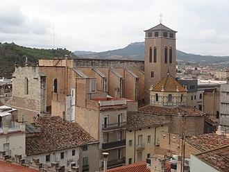 Basilica of Santa Maria, Igualada - Image: Vista des de Rambla General V Ives 007