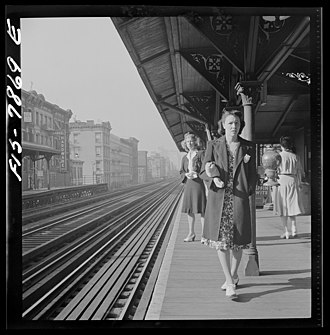 67th Street (IRT Third Avenue Line) - HABS image of three women waiting for a train at 67th Street in September 1942.