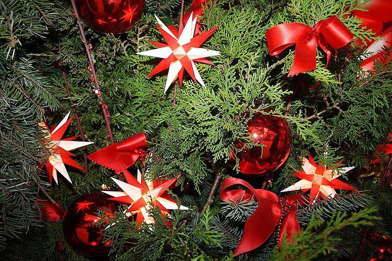 Datei weihnachtsbaum dekoration wikipedia for Dekoration weihnachtsbaum