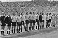 Wereldkampioenschap voetbal 1974 Nederland tegen Uruguay 2-0 elftallen tijdens, Bestanddeelnr 927-2609.jpg