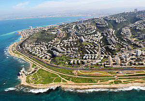 ハイファ: Western Haifa from the air