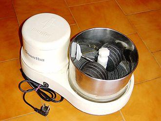 Wet grinder - A tabletop wet grinder for preparing food.