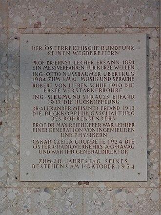 Radio in Austria - The memorial plaque in Argentinierstrasse commemorating Austrian radio pioneers
