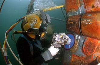 Diving equipment - Image: Working Diver 02