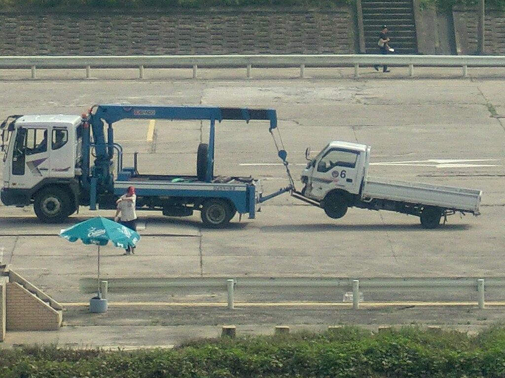 Wrecker Truck Gangnam Driving